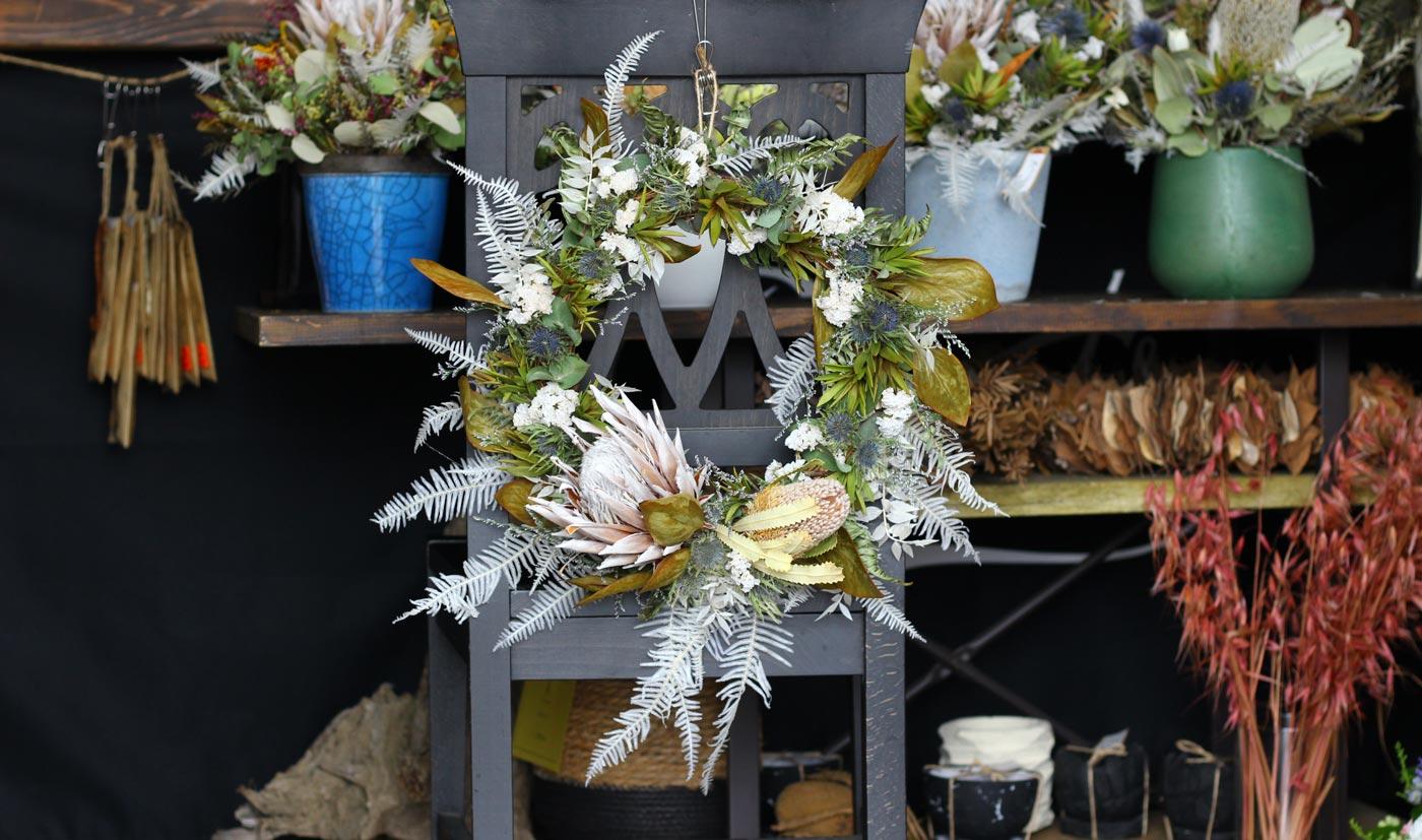 Summer Wreath – White –